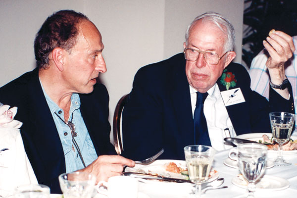 Roger Zelazny and Jack Williamson at the banquet before the Awards ceremony.