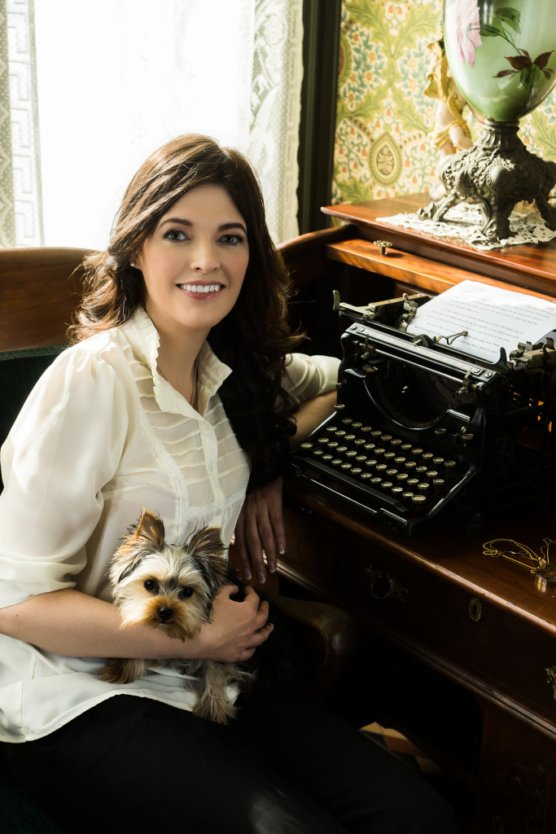 Elizabeth Chatsworth Book and Typewriter Author